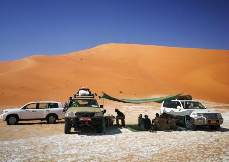 Paesi Arabi_Oman_Deserto Rub Al Khali_Pic Nic_viaggio con tour leader esperto_contemporary art of travel